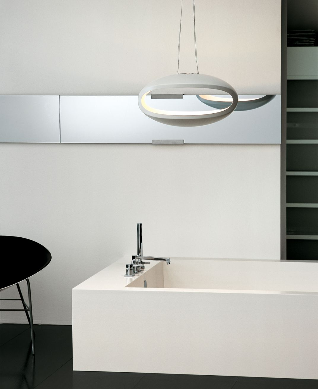 White / Axia Bath Collection - Lino Codato Interior Design